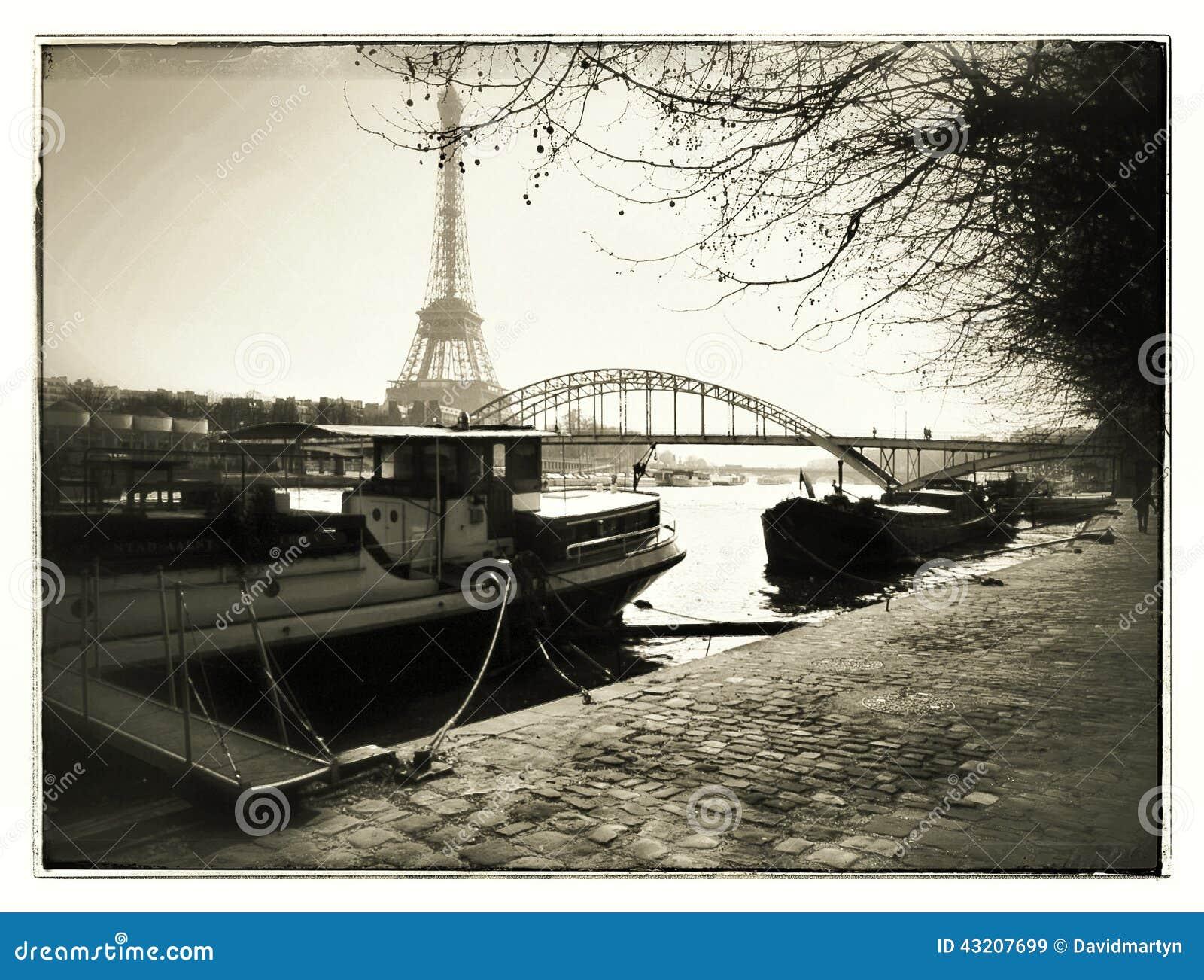 Download Eiffel torn redaktionell fotografering för bildbyråer. Bild av fransman - 43207699