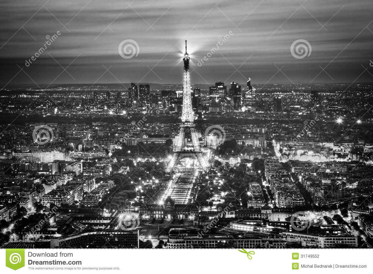 eiffel tower light performance show at night paris france editorial photography image 31749552. Black Bedroom Furniture Sets. Home Design Ideas