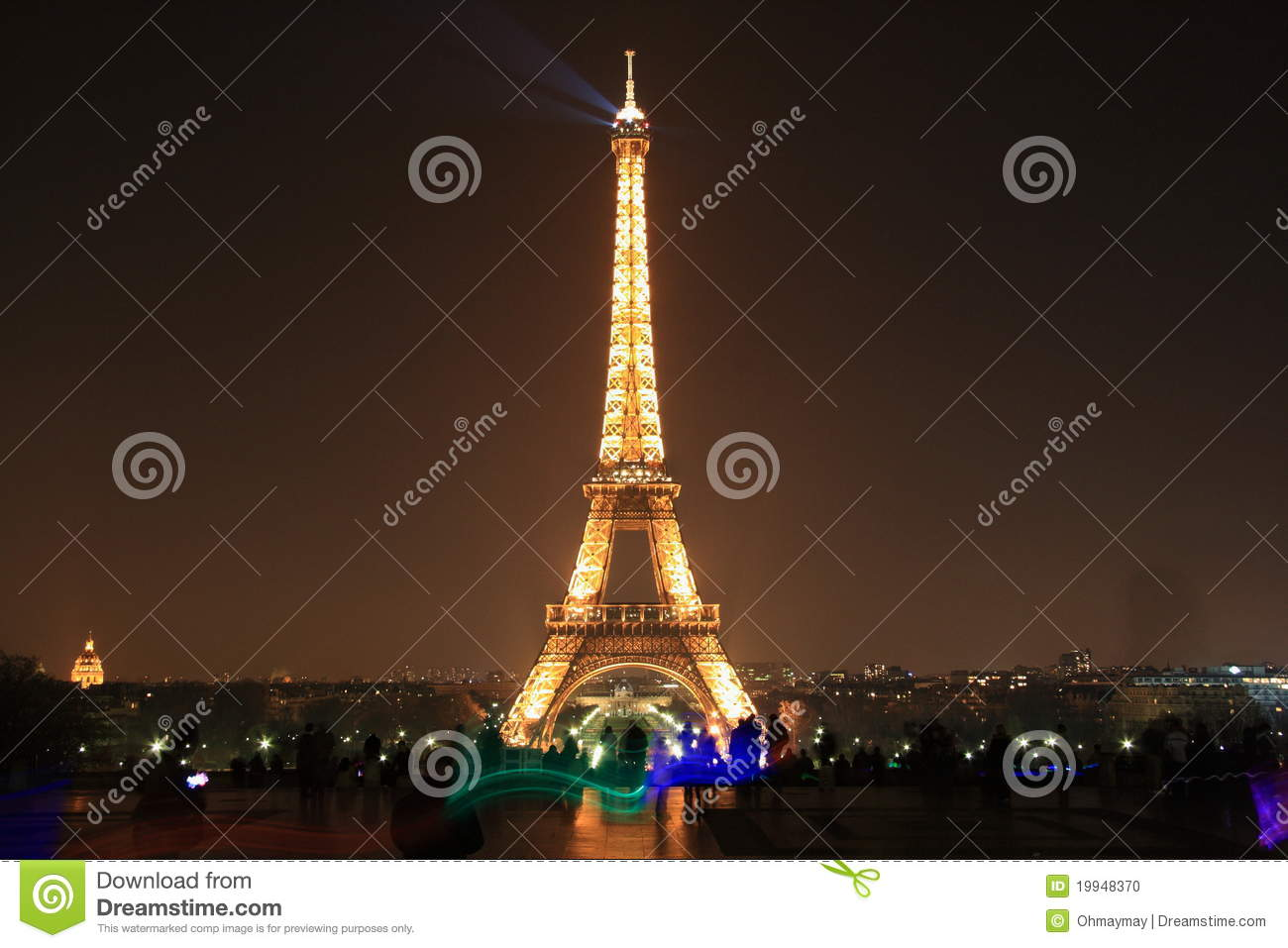Eiffel tower by night paris editorial image image 19948370 for Paris night time