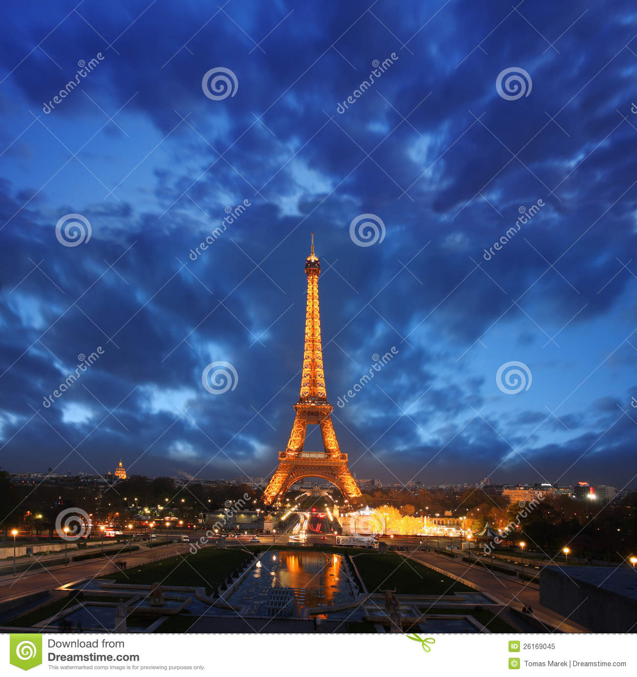 Eiffel tower at night in paris france editorial image for Paris night time