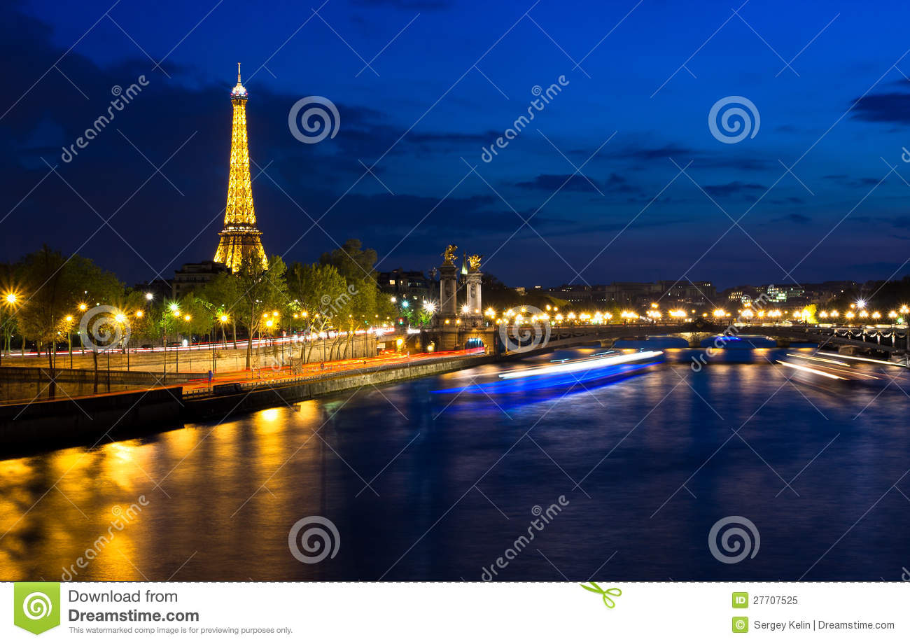 Eiffel tower at night paris by night france editorial for Paris night time