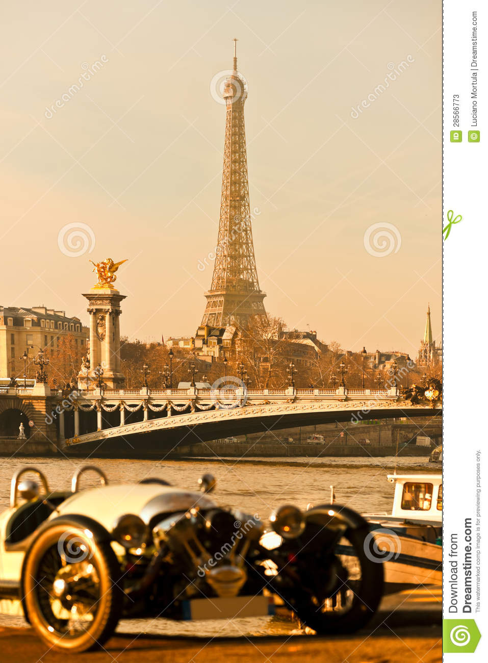 Eiffel Tower With Old Car On Foreground Pari Stock Image