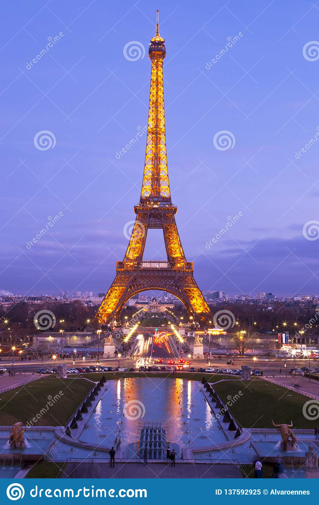 Eiffel Tower In A Purple Sunset Editorial Image Image Of Construction City 137592925