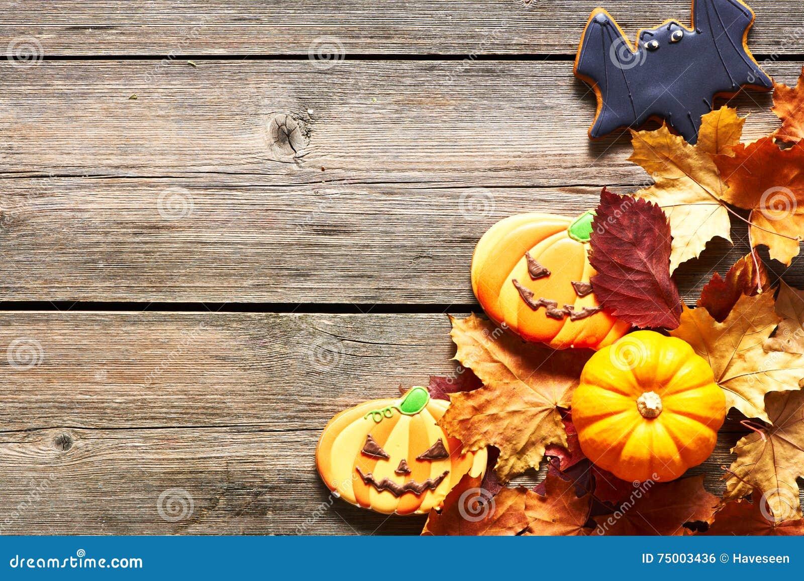Eigengemaakte de peperkoekkoekjes van Halloween