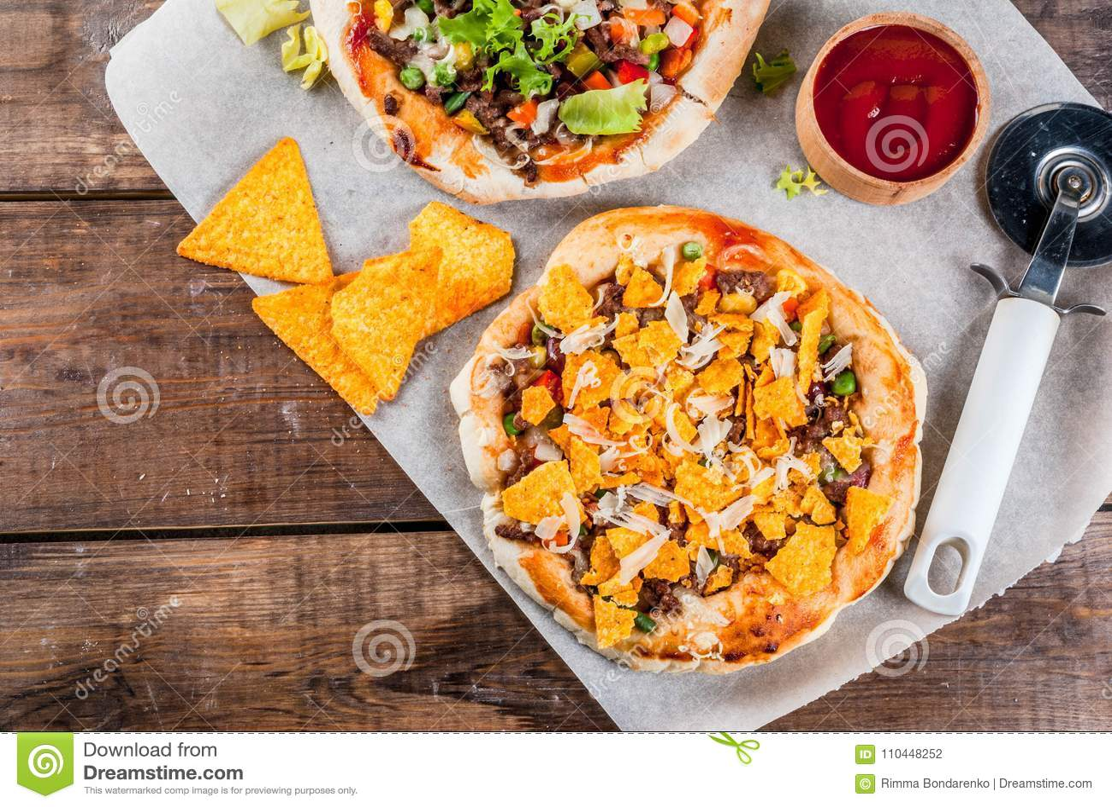Eigengemaakte Mexicaanse Tacopizza