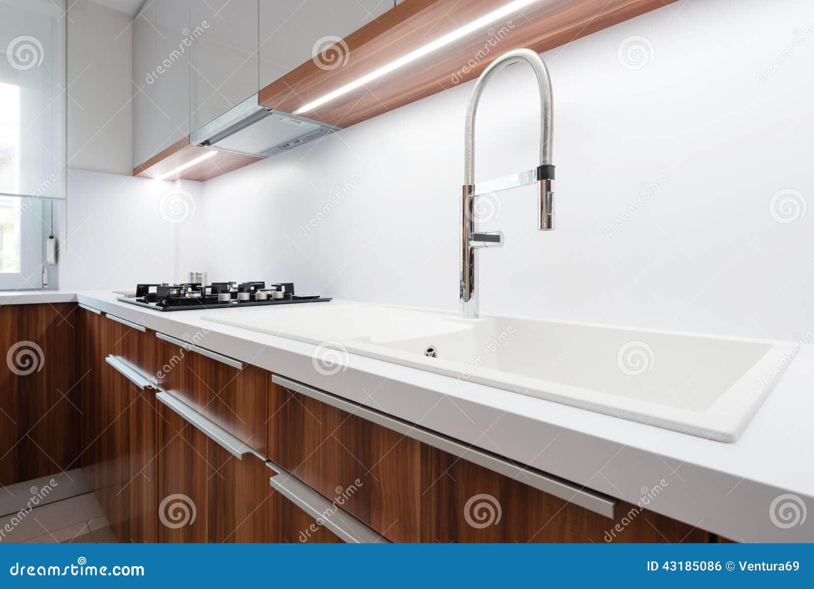 Eigentijds keukenbinnenland stock foto afbeelding bestaande uit