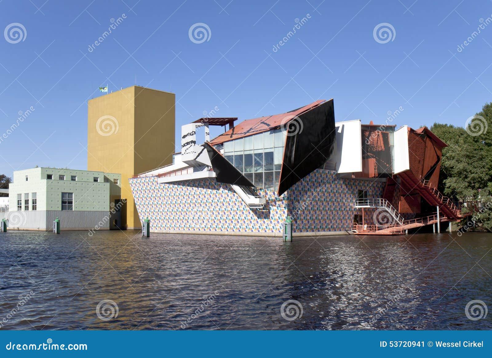 Eigentijds museum in groningen nederland redactionele foto afbeelding 53720941 - Eigentijds gebouw ...