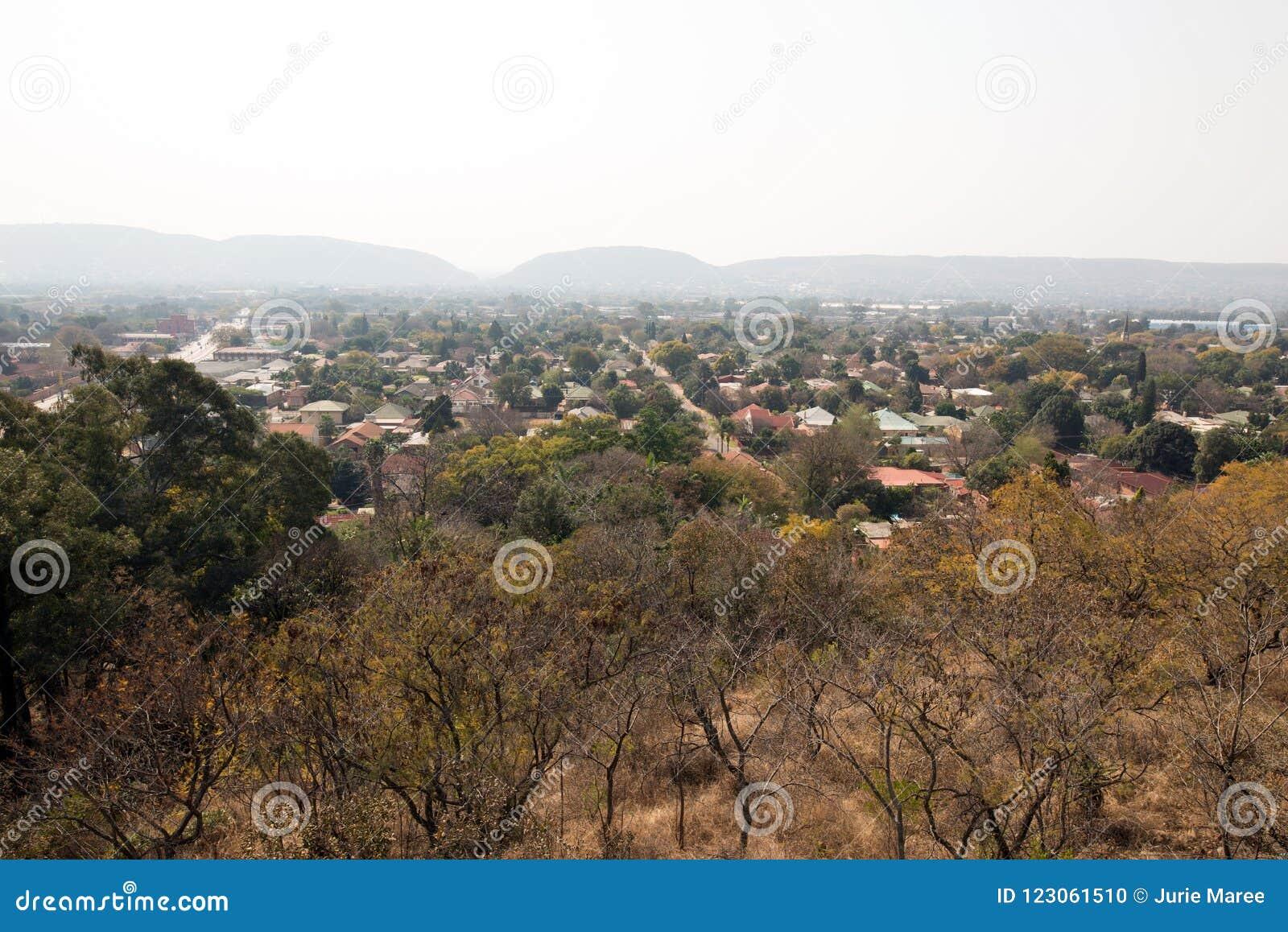 Ein üppiger Vorort von Pretoria, Südafrika