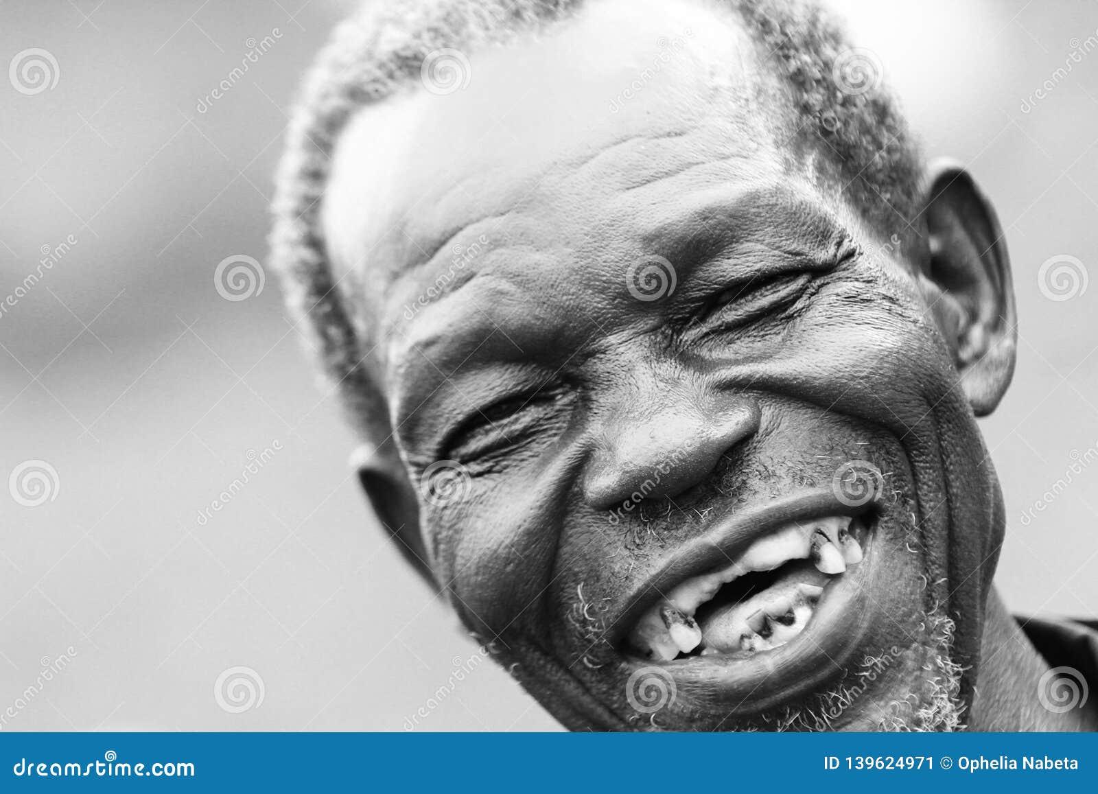 Mann zähne alter ohne Zähne aufhellen: