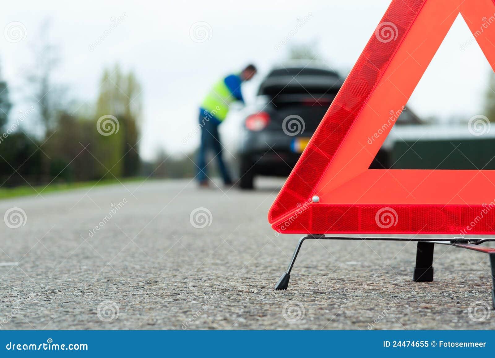 Ein Auto mit einem Zusammenbruch