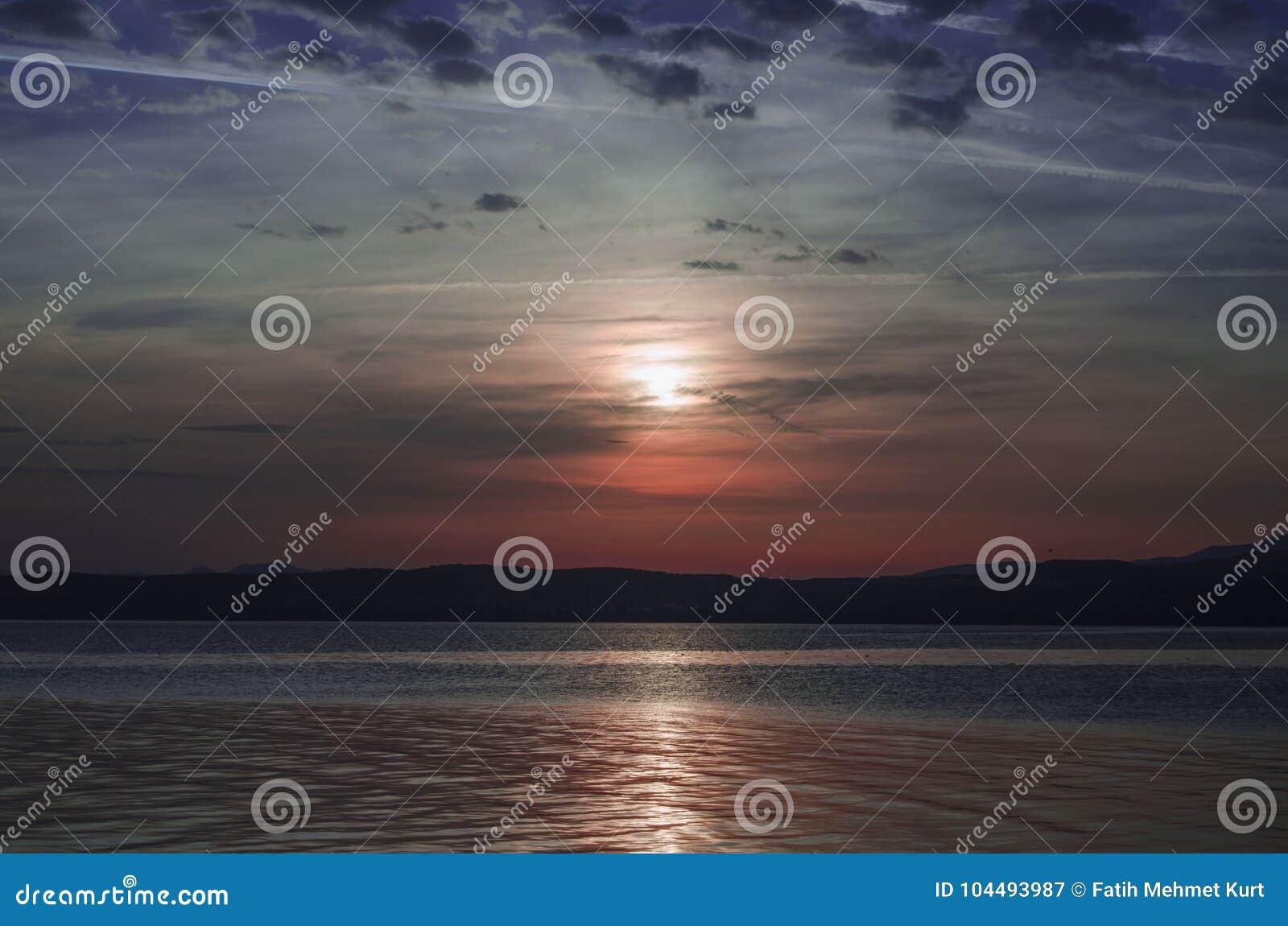 Ein Fischboot auf See