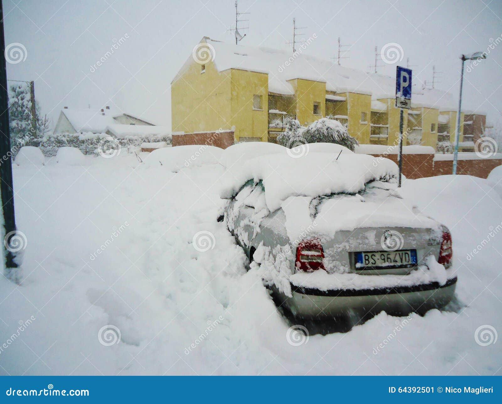 Ein Großer Schnee In Italien Redaktionelles Foto