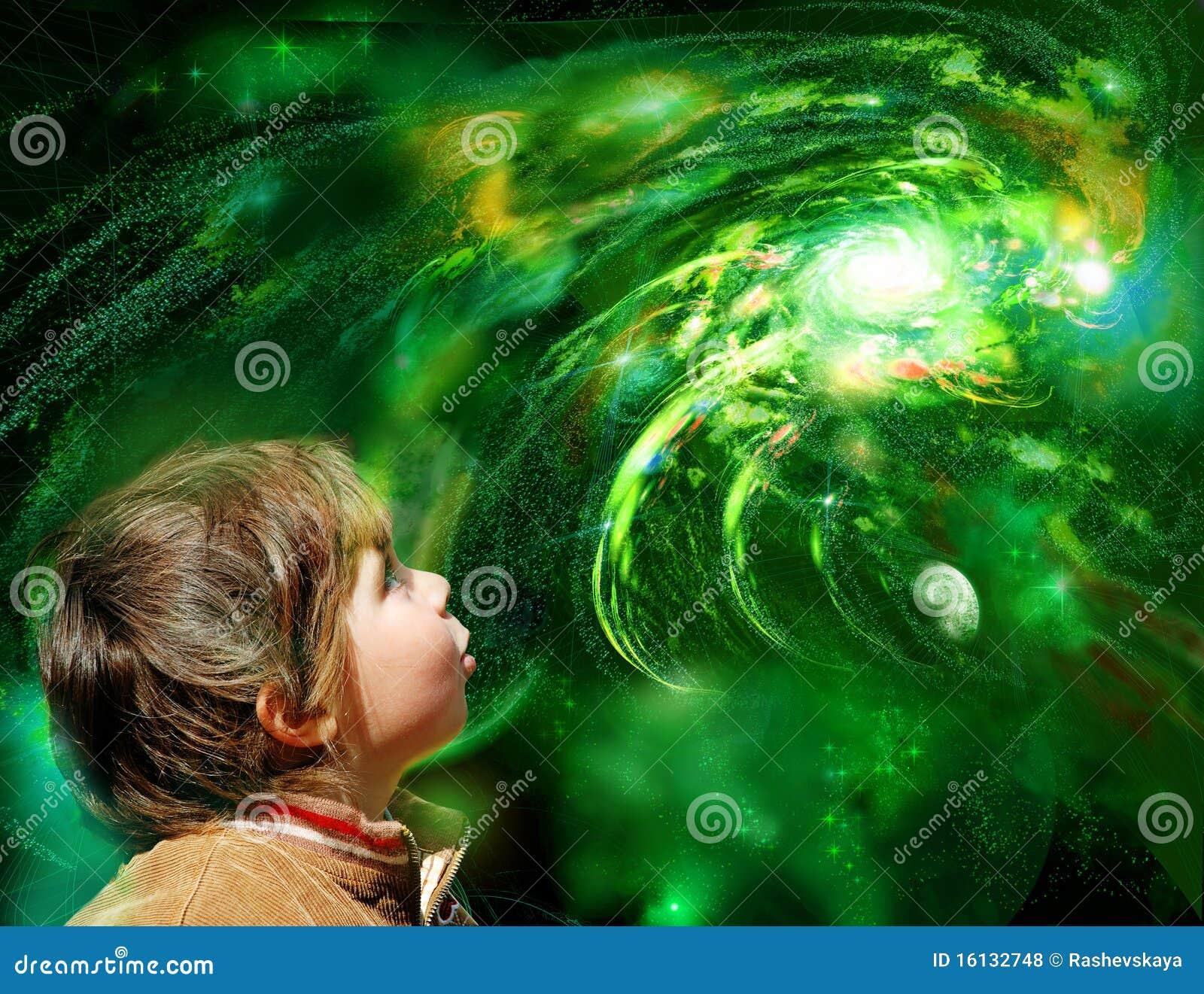 Ein Kind schaut Galaxie