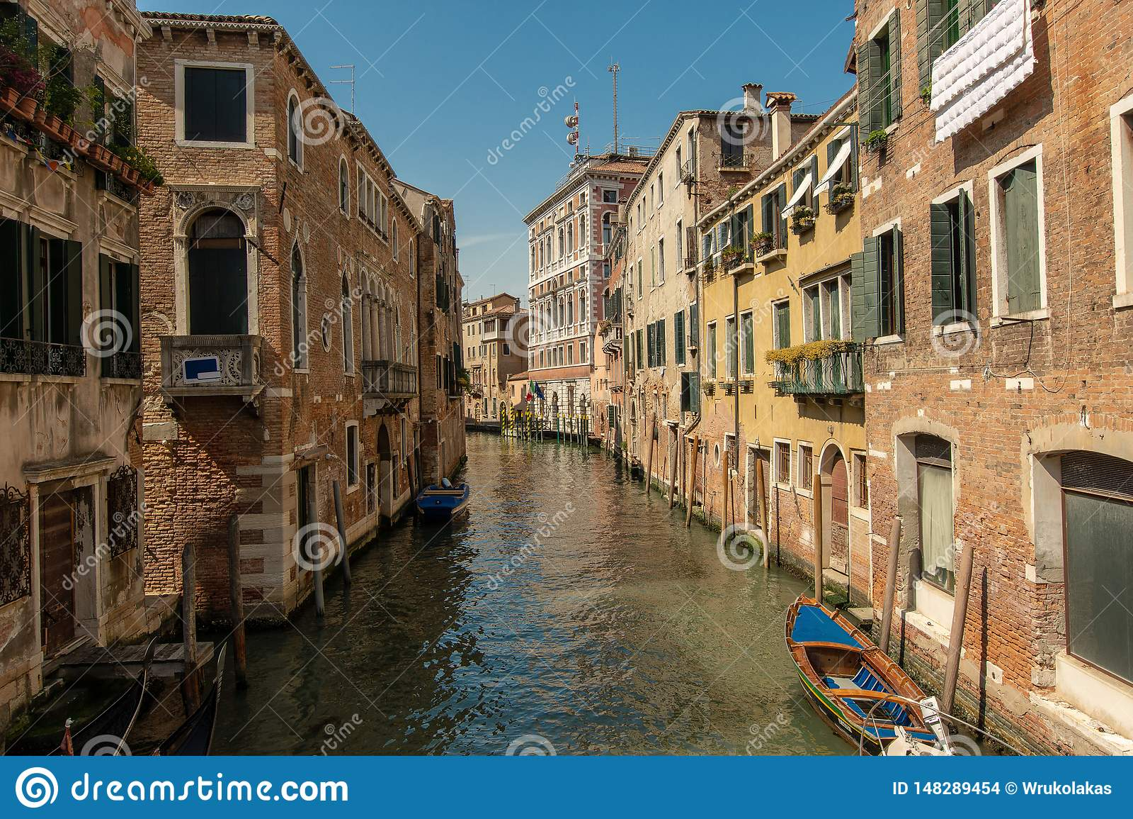 Ein kleiner Kanal in Venedig, Italien