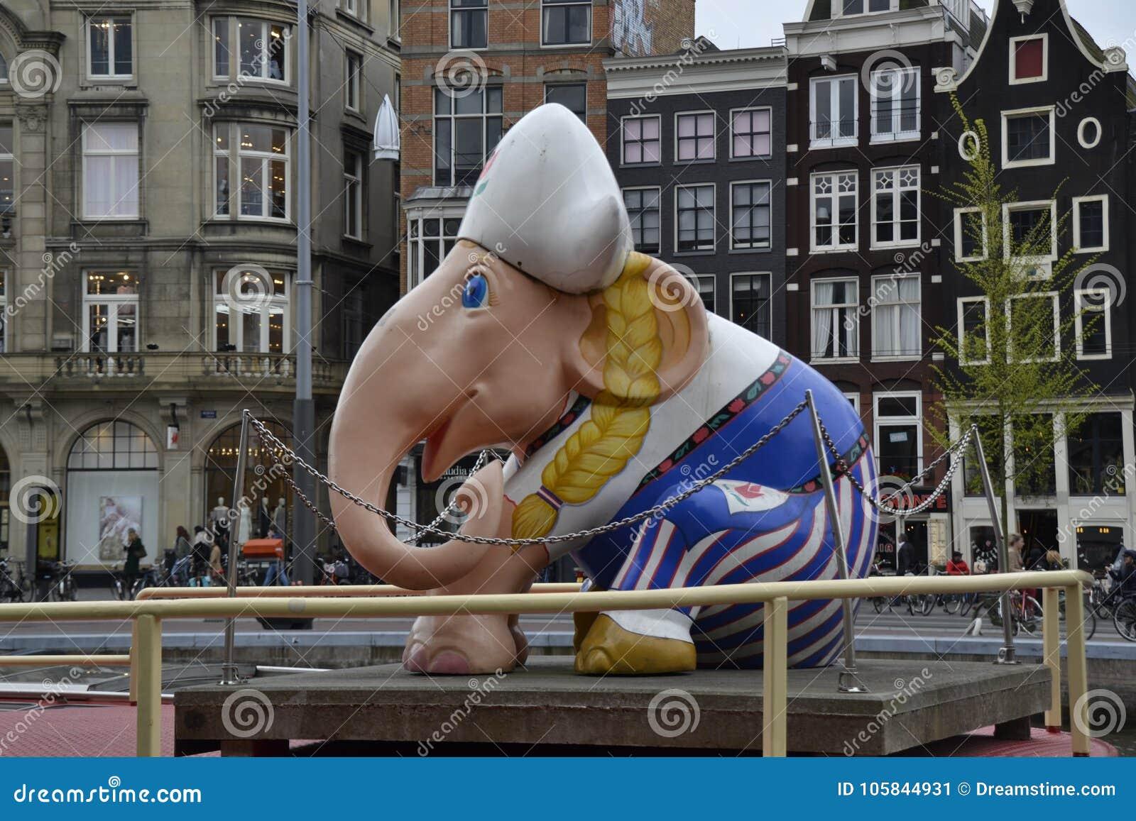 Ein kleiner Markstein von Amsterdam Der Elefant