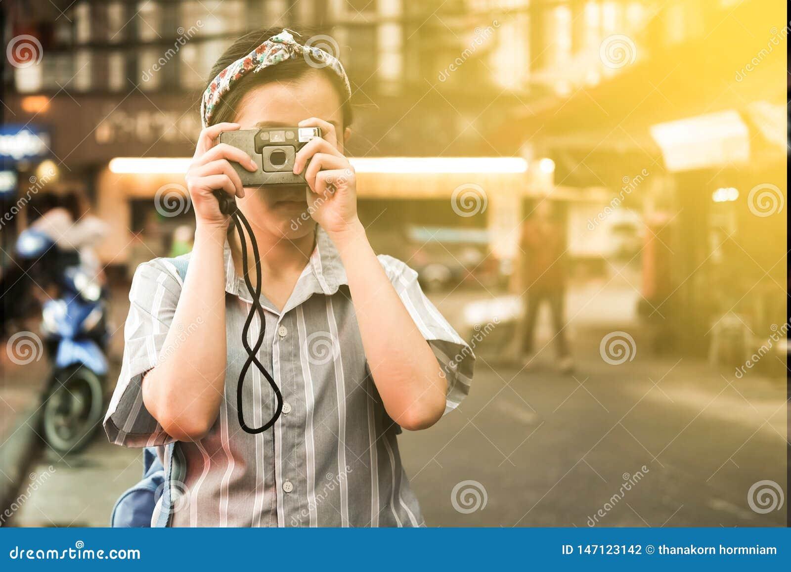 Ein Mädchen machen ein Foto