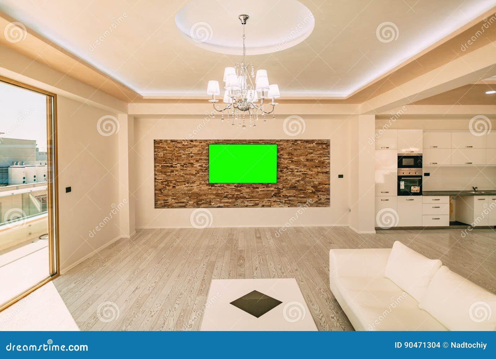 Ein Modernes LCD-Fernsehen Mit Einem Grünen Schirmhängen Stockfoto ...