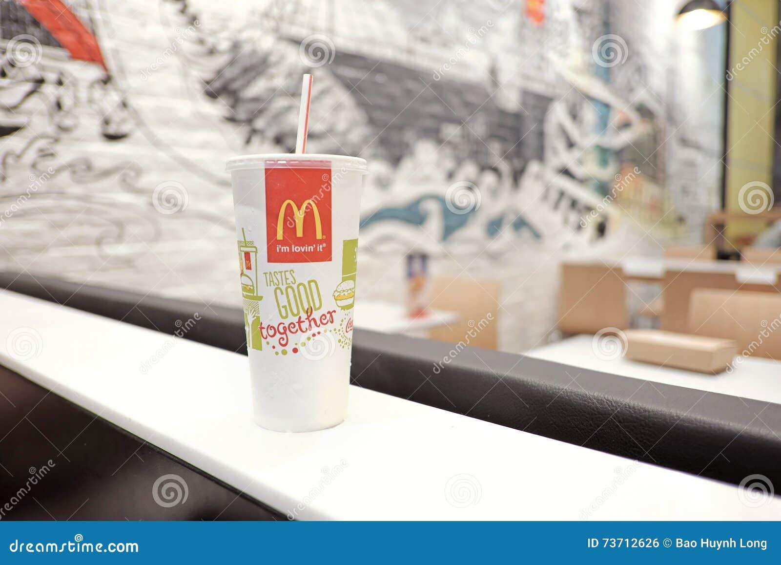 Ein Papercup Von McDonalds-Restaurant Redaktionelles Foto - Bild von ...