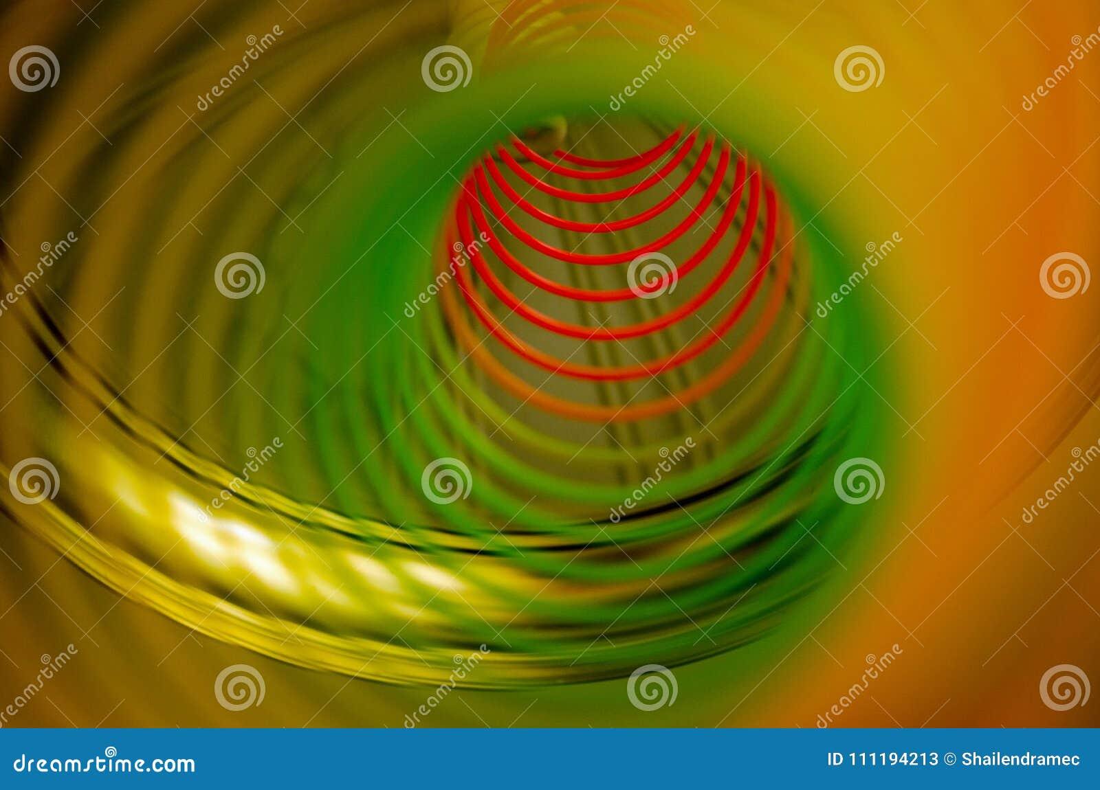 Ein Regenbogen spiralor Frühling