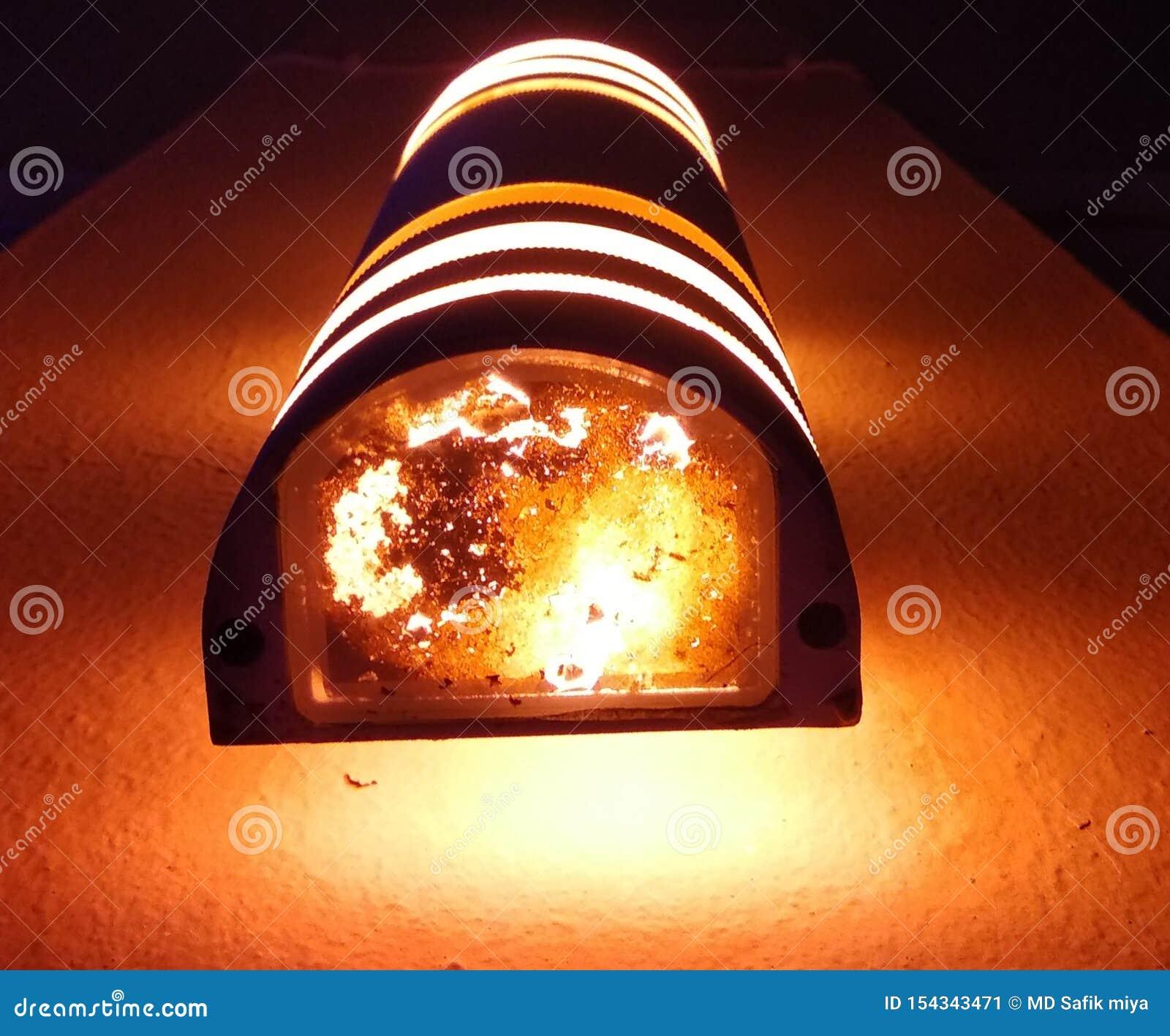 Ein schönes erstaunliches Licht von der schönen Lampe
