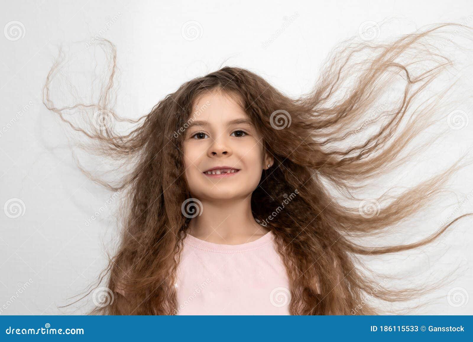 Haare augen mädchen braune braune Findet ihr