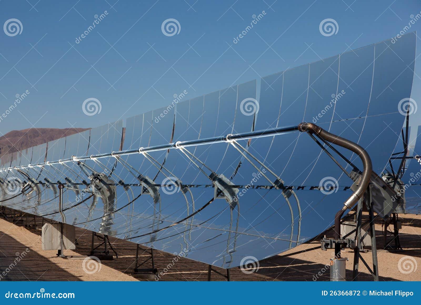 Ein Sonnenkraftwerk in der Kalifornien-Wüste