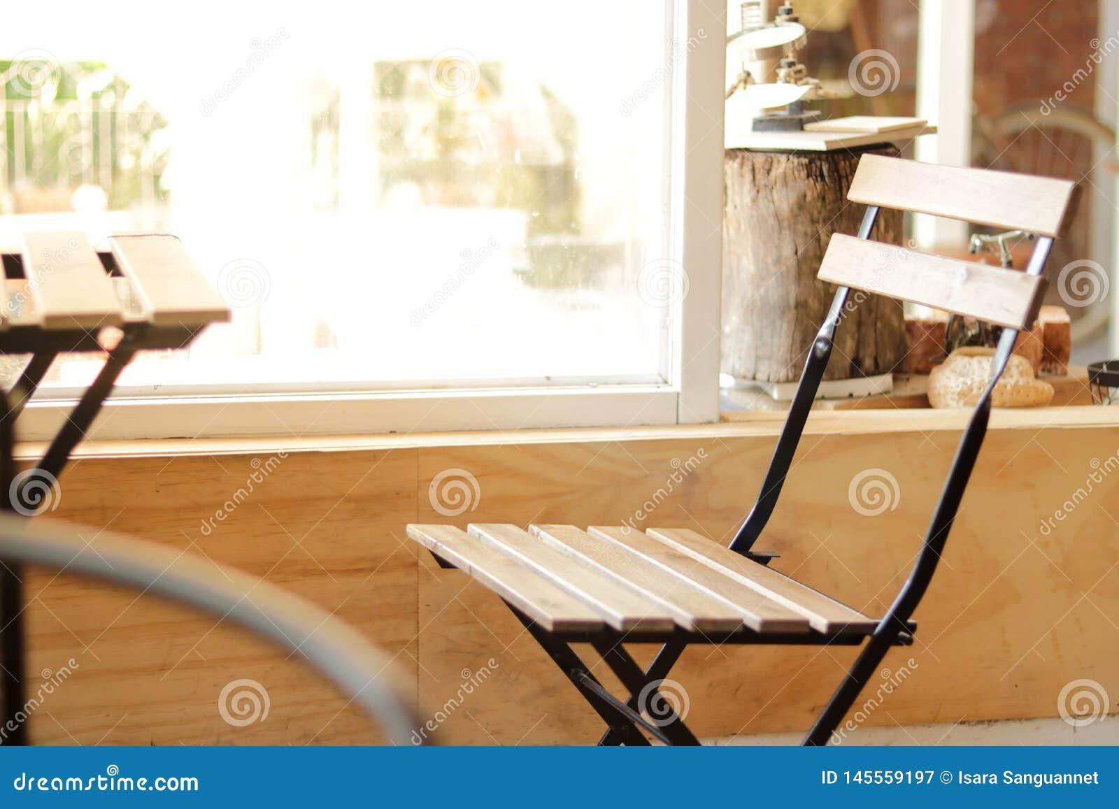 Ein Stuhl in der Kaffeestube