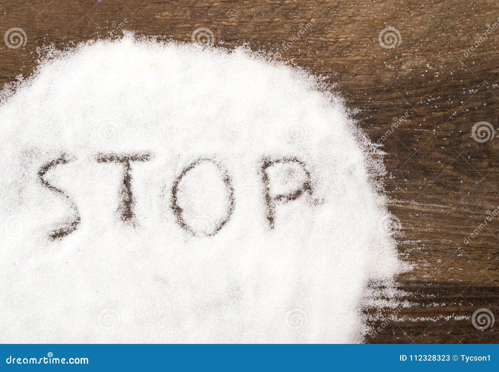 Eindeteken van korrelige suiker wordt gemaakt die