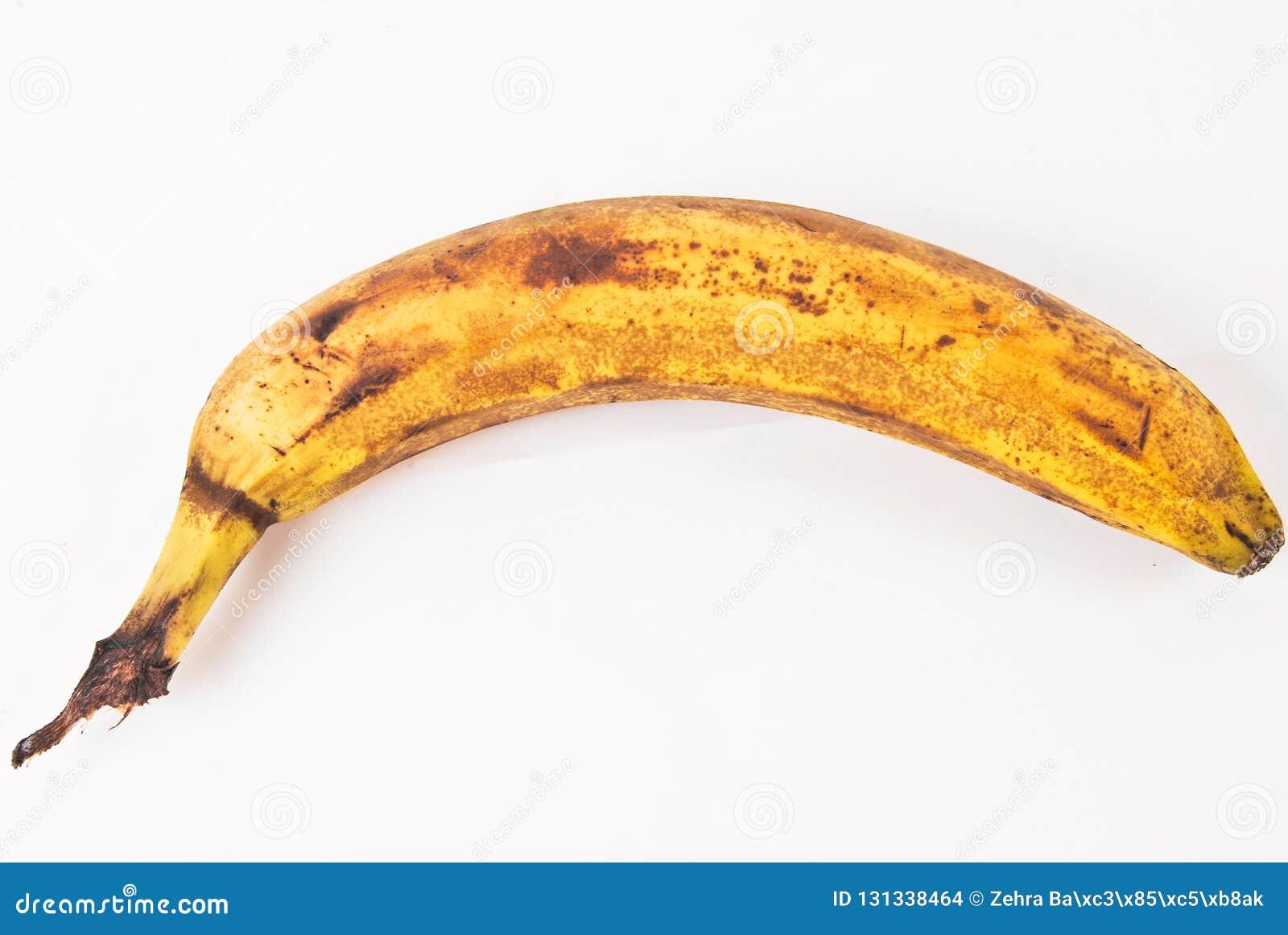 Eine alte Banane, die angefangen hat zu verfallen