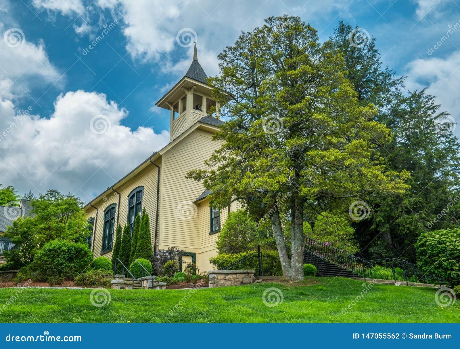 Eine alte l?ndliche Kirche