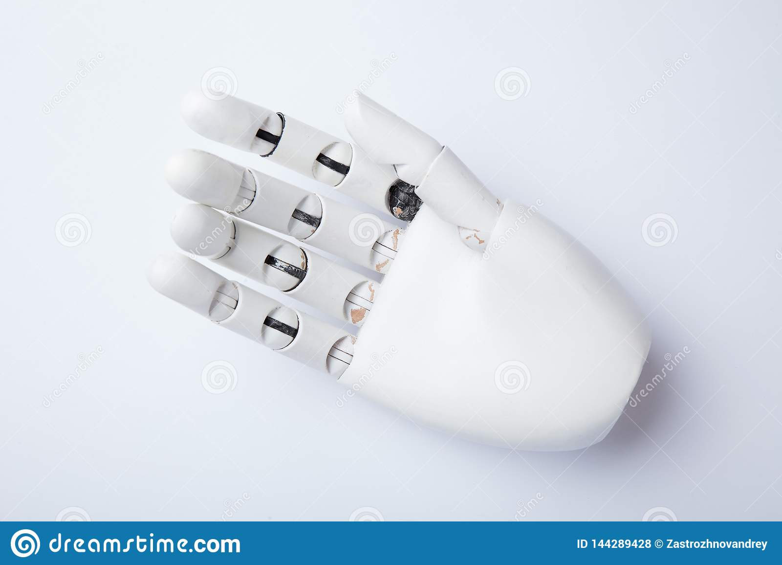 Eine alte weiße hölzerne Hand, Nahaufnahme
