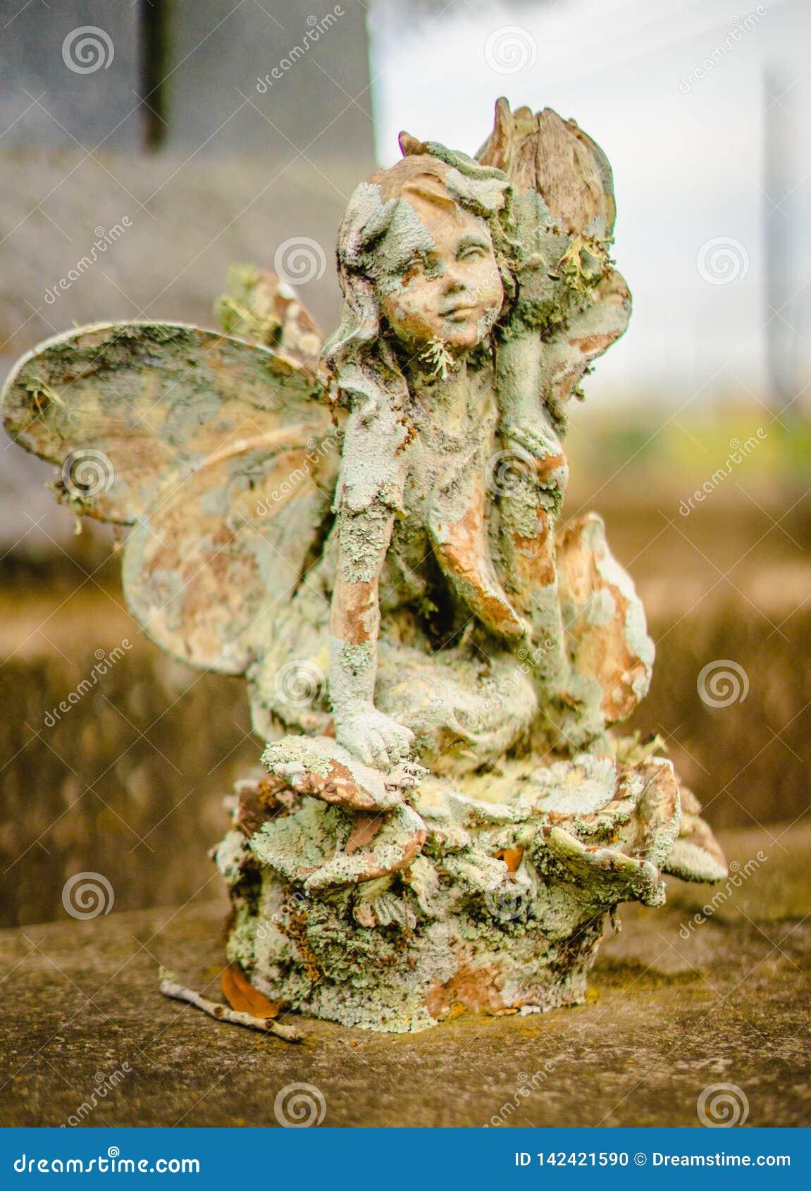 Eine ernste Dekoration oder eine ernste Statue