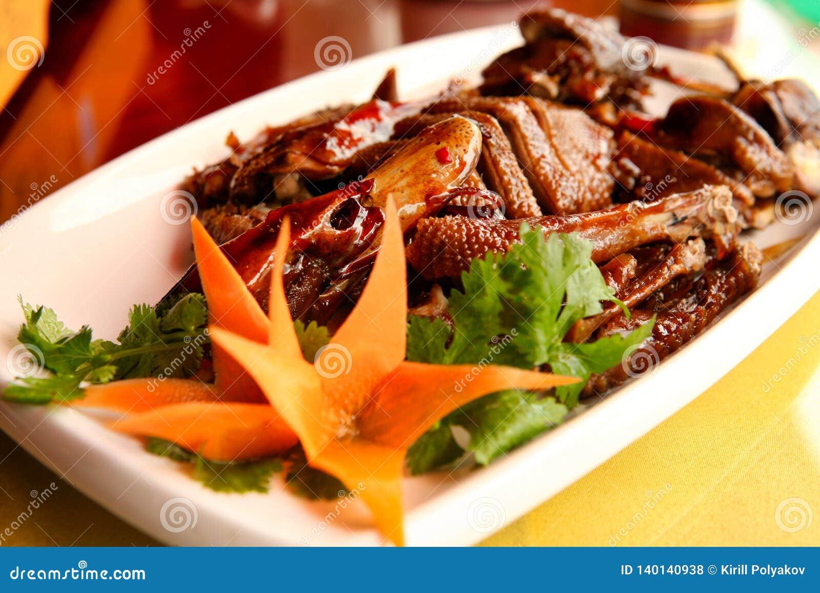 Einer der berühmtesten Teller in der chinesischen Küche ist die Peking-Ente