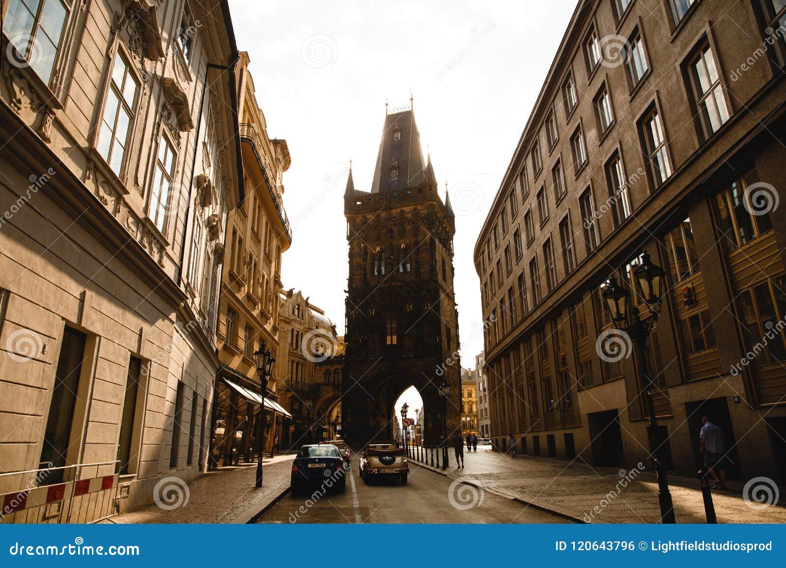 Einer der Brückentürme Charles Bridges in Prag, Tschechische Republik