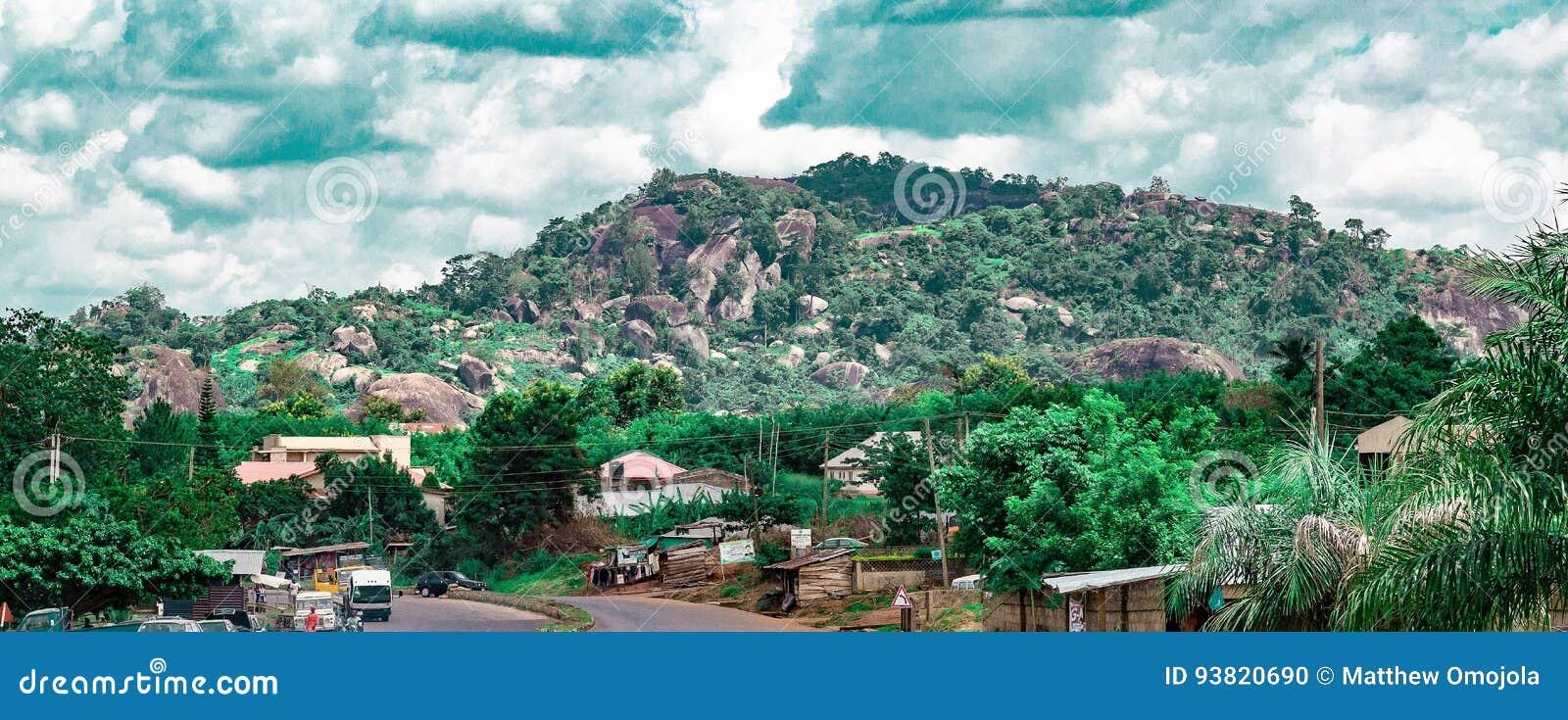 Einer der Ekiti-Hügel in Nigeria