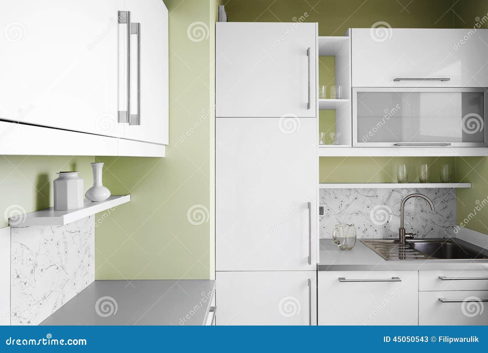 einfache küche in den weißen farben stockfoto - bild: 45050543