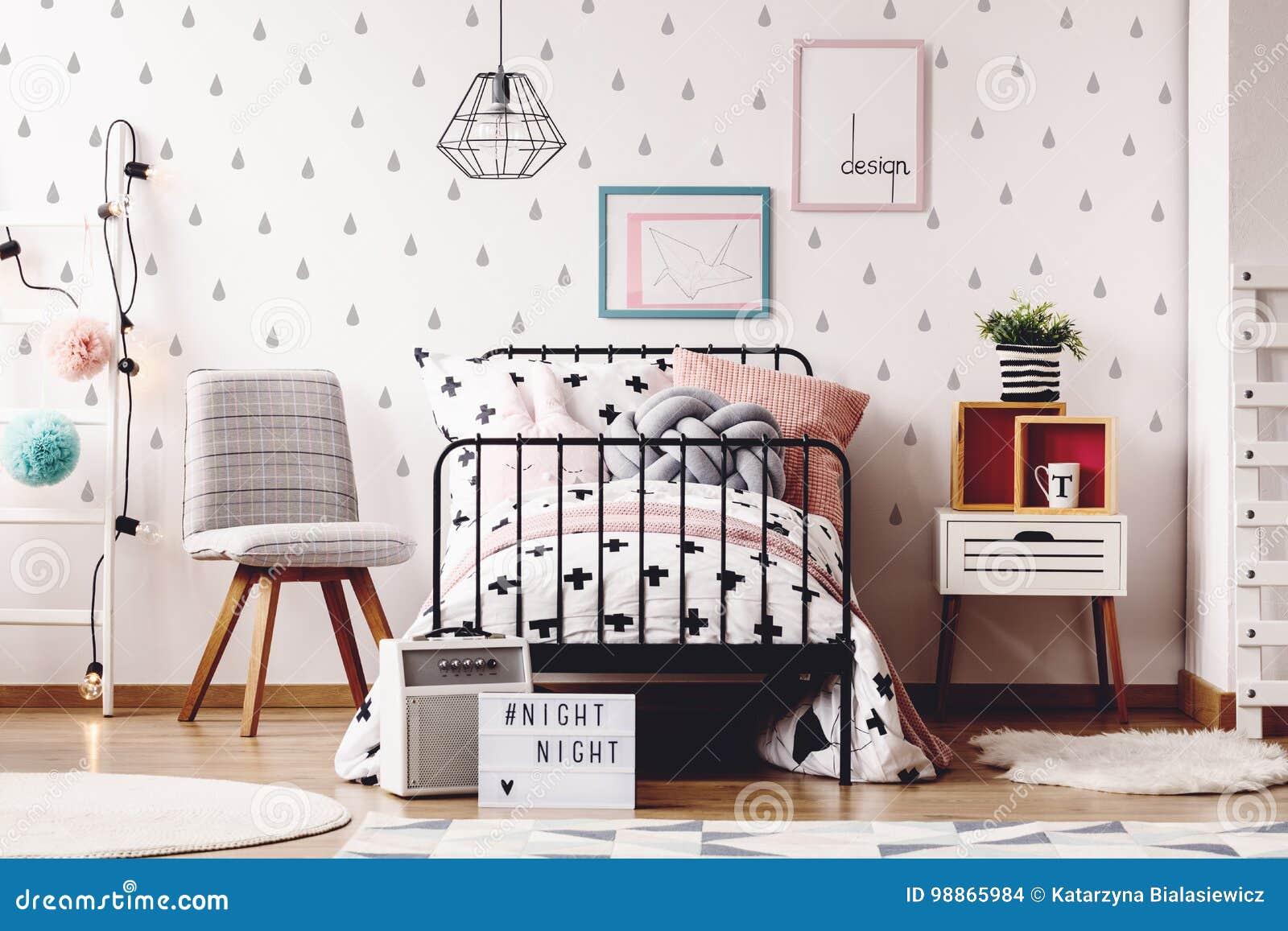 Einfacher Kinderraum Mit Wolldecken Stockfoto Bild Von Wohnung