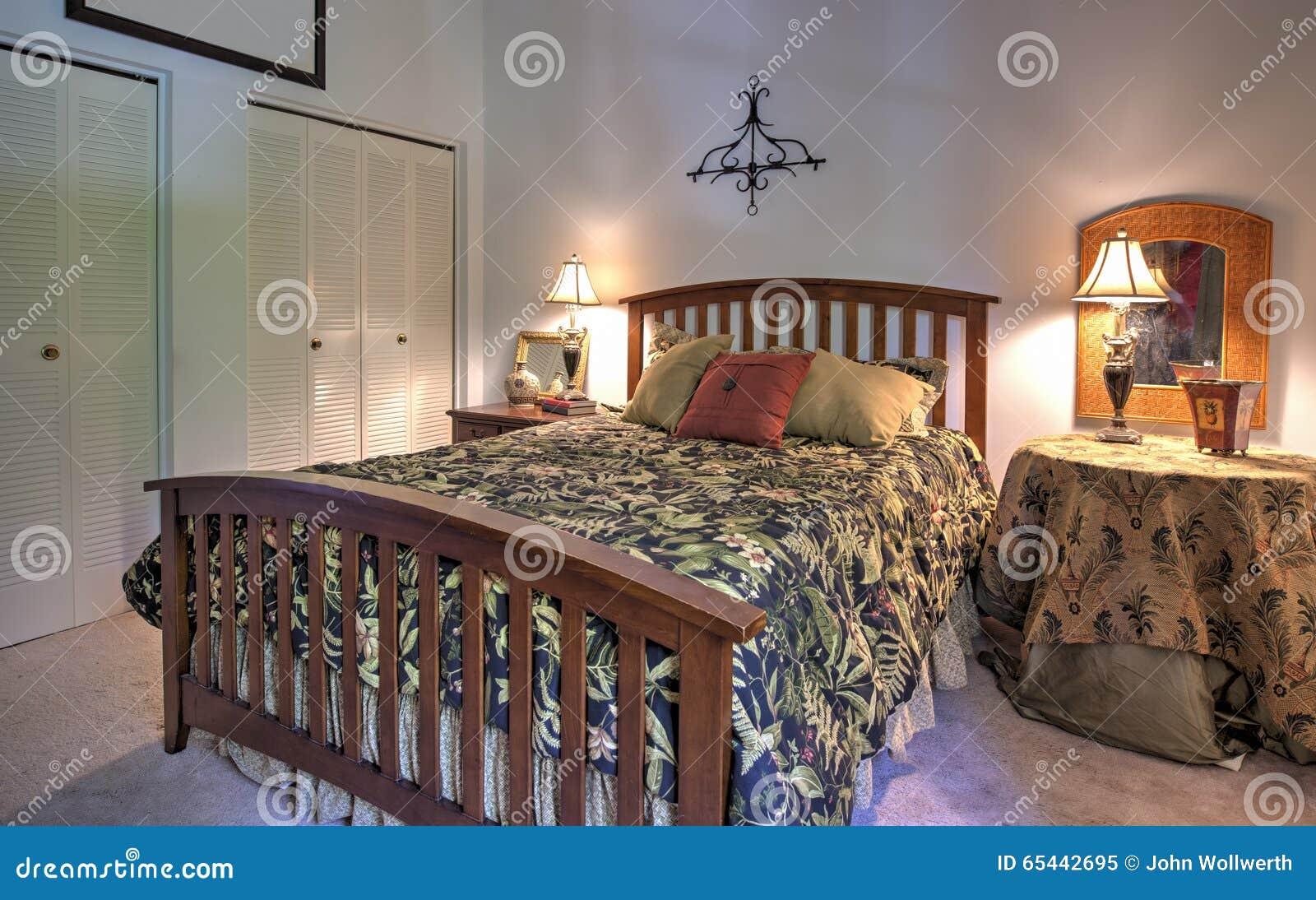 Einfaches Schlafzimmer