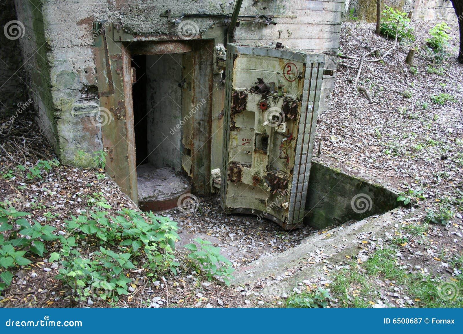 Eingang In Bunker Stockbild Bild Von Armee Schutz Gebäude 6500687