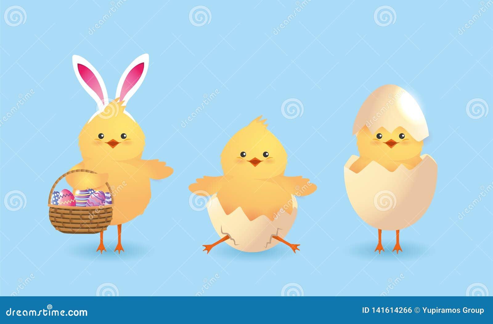 Eingestellte nette Küken mit den Eiern gebrochen und Ostern-Dekoration