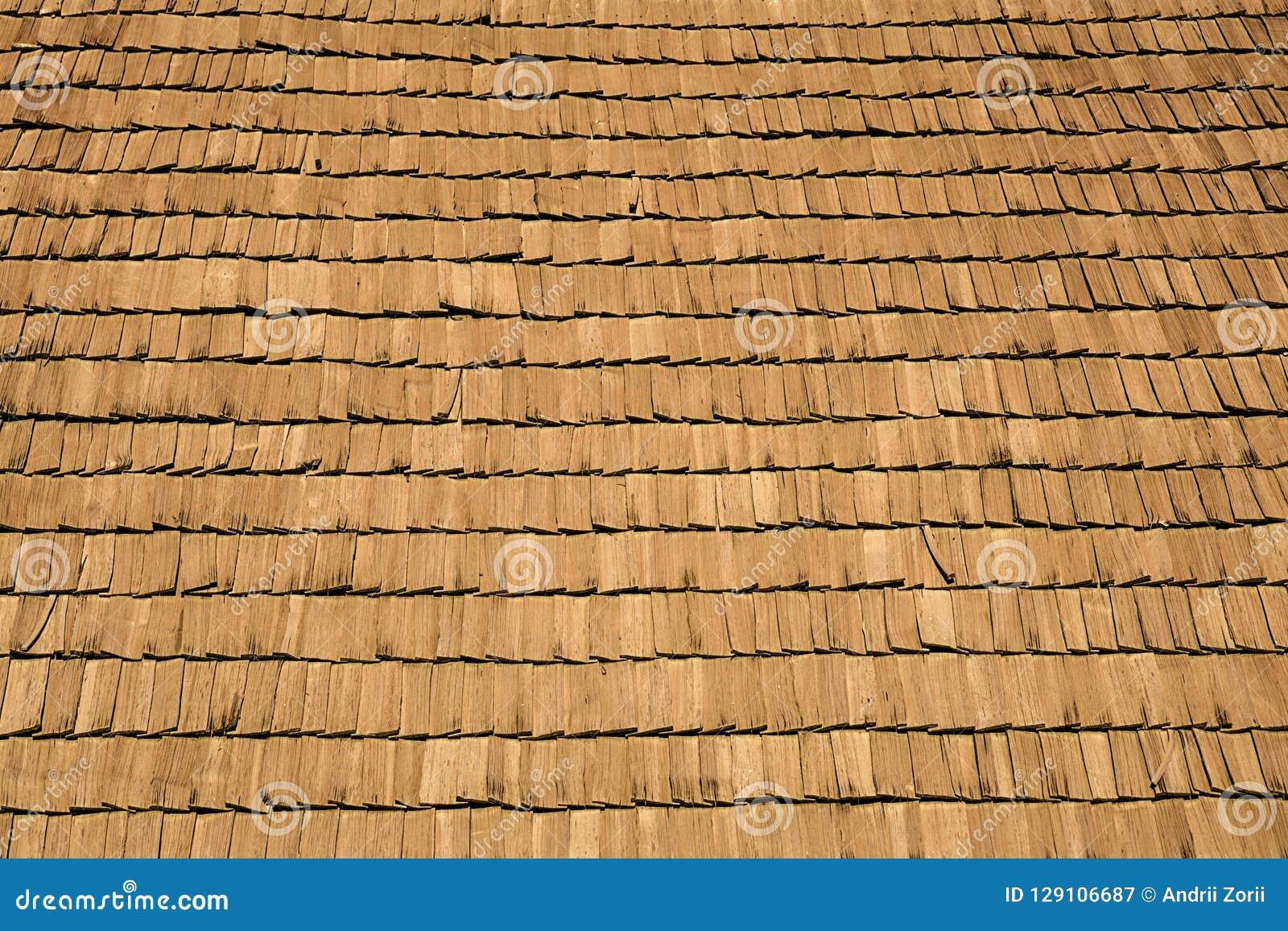Einige hölzerne Zedernschindeln für die Verkleidung oder die Dächer Hölzerne Dachschindeln Browns