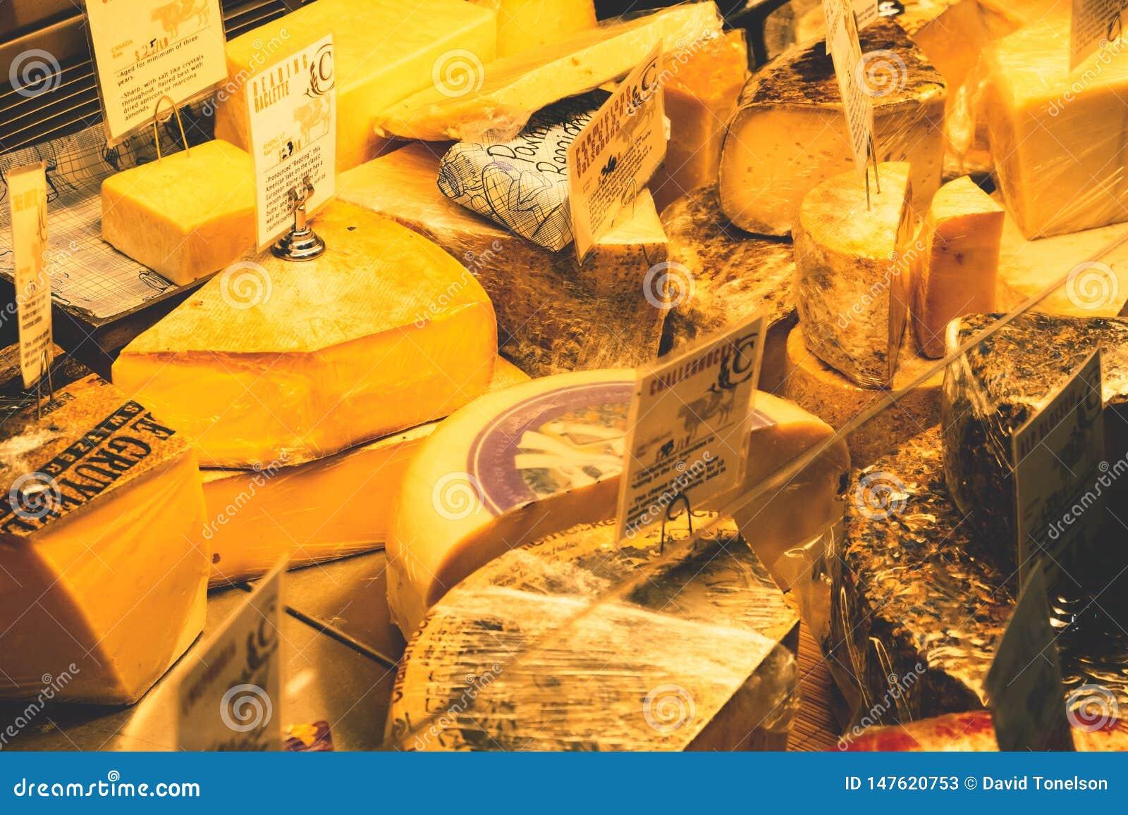 Einige Käse auf Anzeige