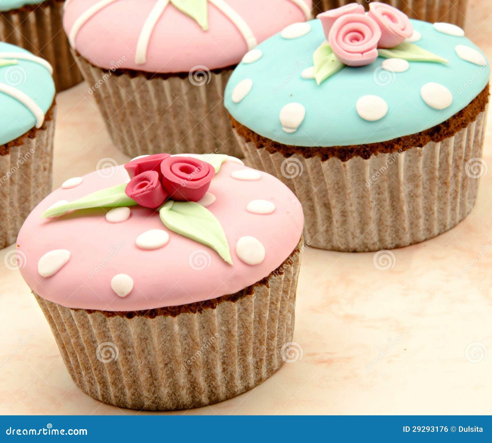 Einige kleine kuchen lizenzfreies stockbild bild 29293176 for F rde küchen