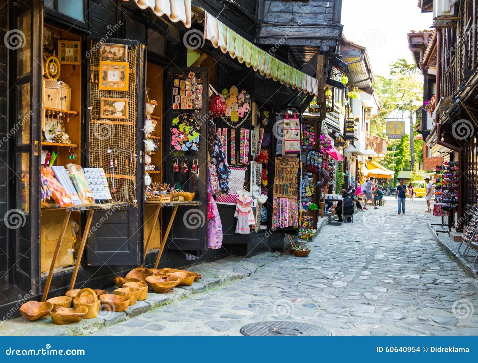 Einkaufsstraße in der alten Stadt von Nessebar, Bulgarien