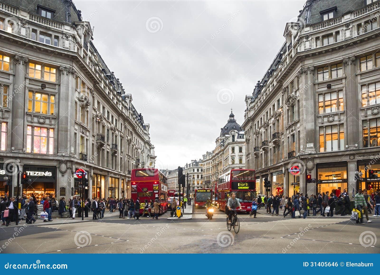 Einkaufszeit in Oxford-Straße, London