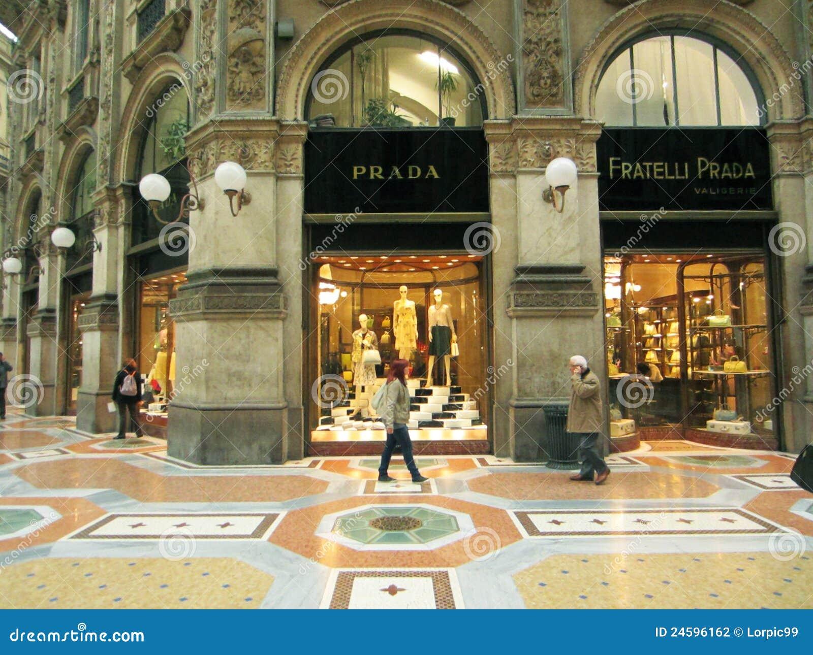 Einkaufszentrum, Mailand redaktionelles stockfotografie ...