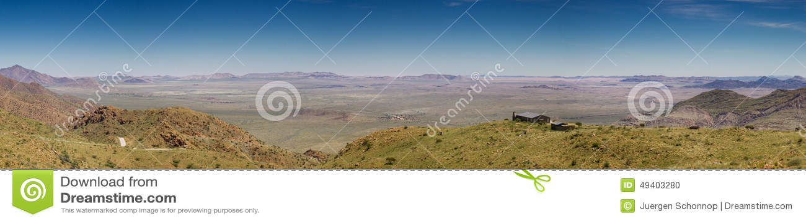 Download Einsames Haus An Der Spreetshoogte-Durchlauf-Straße Stockfoto - Bild von berg, einsam: 49403280
