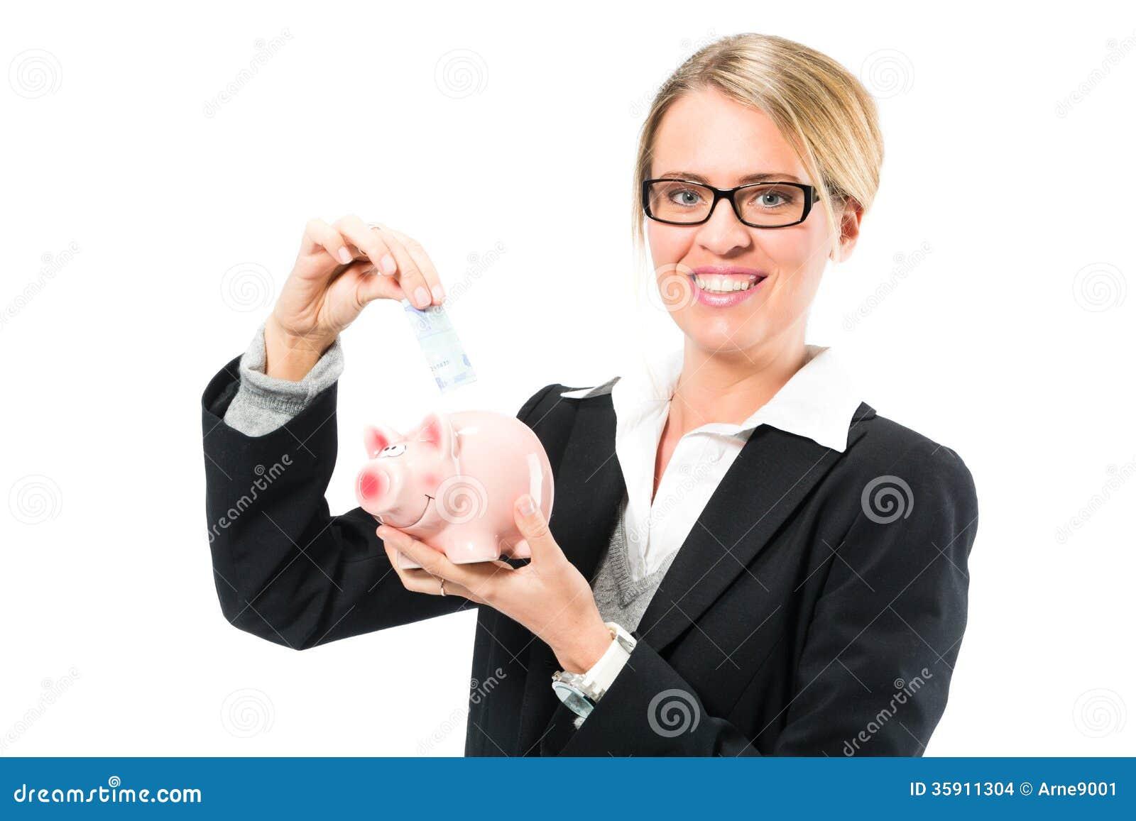 Einsparungsgeld, Frau mit einem Sparschwein