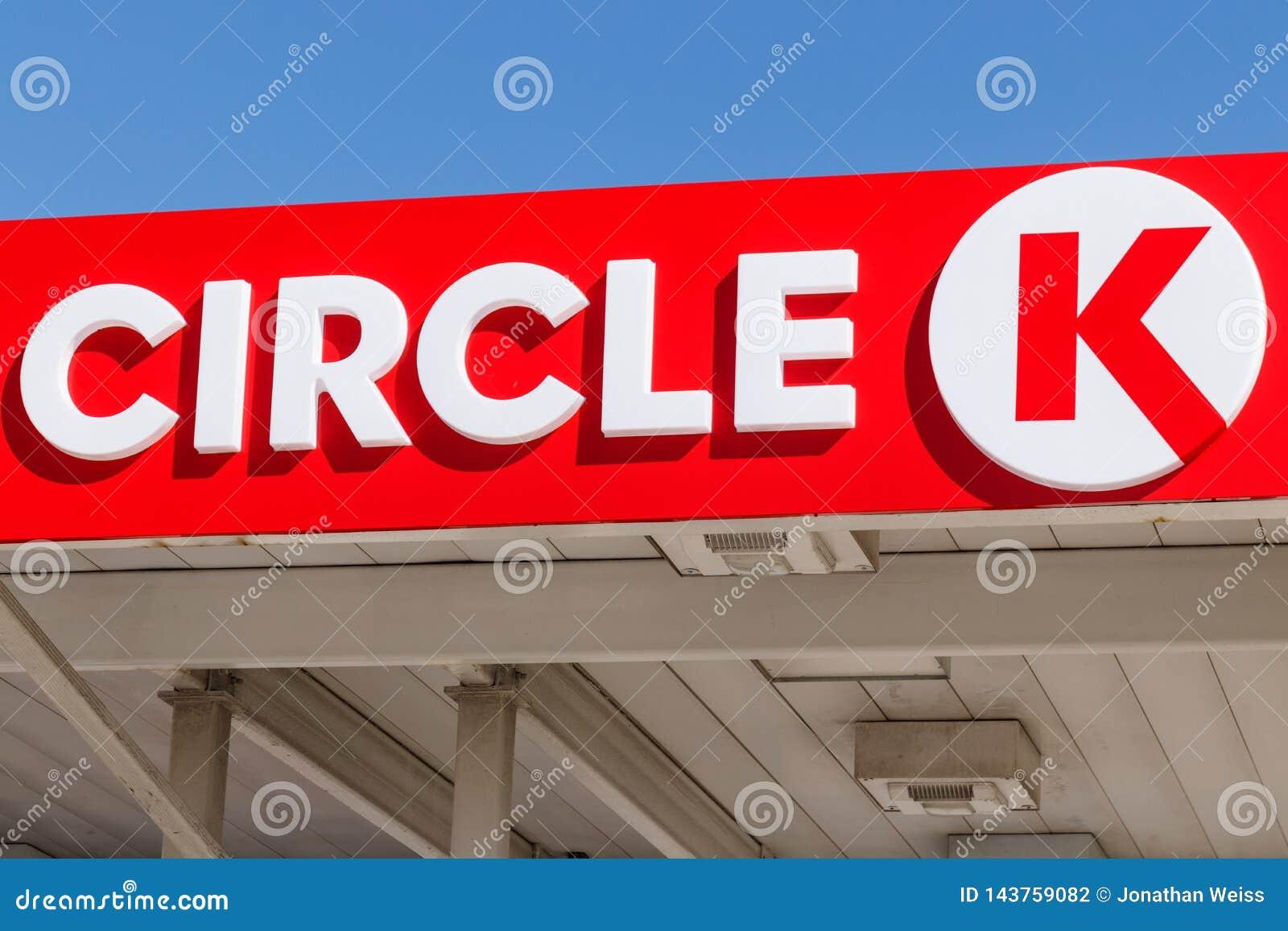 Einzelhandels-Tankstellestandort des Kreises K Kreis K ist eine Tochtergesellschaft der Ernährung Couche-Tard und wird in Quebec