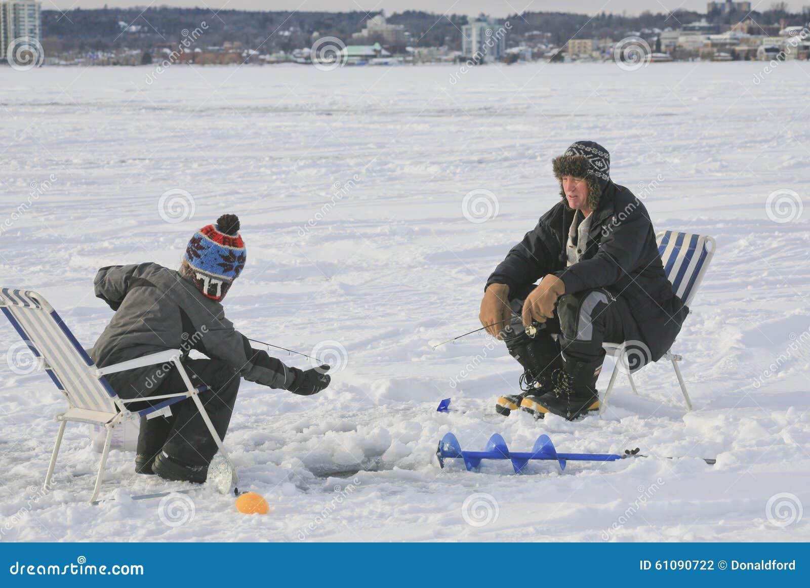Eis, das Barrie, Ontario, Kanada fischt